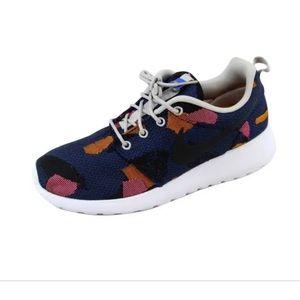 Nike Women Roshe Sneakers Size 7